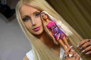 338260-living-barbie-doll-valeria-lukyanova-and-ken-doll-justin-jedica-meet-f
